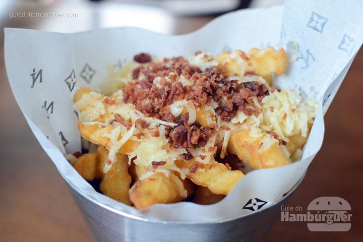 Fritas com parmesão e bacon - Nossa Carne