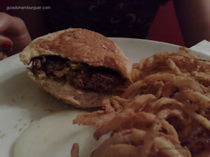 Cheese burger e onion rings - Ritz (Jardim Paulista)