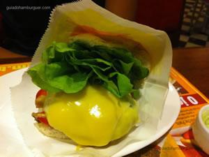 Cheese salada (x-salada) com maionese à parte