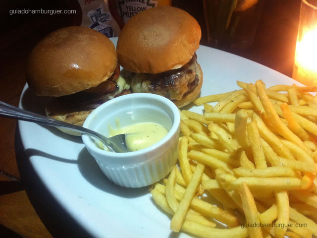 Hambúrguer Veggie e Kobe Burger - Chez Lorena