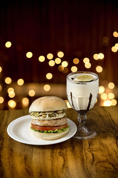 Milk Shake de Torta de Banana: harmoniza com Prime Frango - General Prime Burger