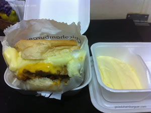 Cheese bacon catupiry com maionese a parte - Chicohamburger (Moema)