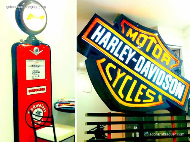 Detalhe da decoração e luminoso da Harley-Davidson