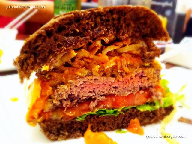 Jack Melted Cheddar: ponto da carne levemente avermelhada