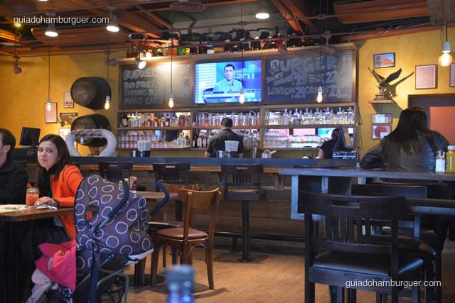 Detalhes da decoração do bar - Buddies Burger & Beer