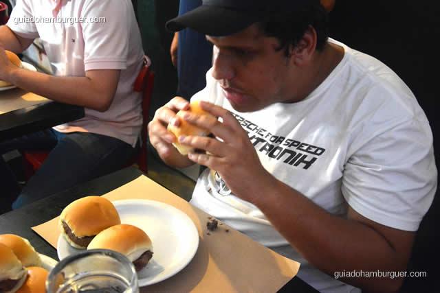 De um em um o prato vai esvaziando - Torneio Devoradores 162