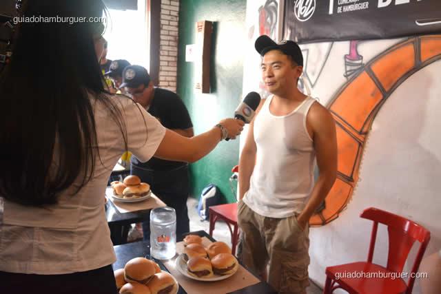 Record entrevistando Alex Wai o favorito da competição por ter comido um burrito de 1,2 kg em 5 minutos - Torneio Devoradores 162
