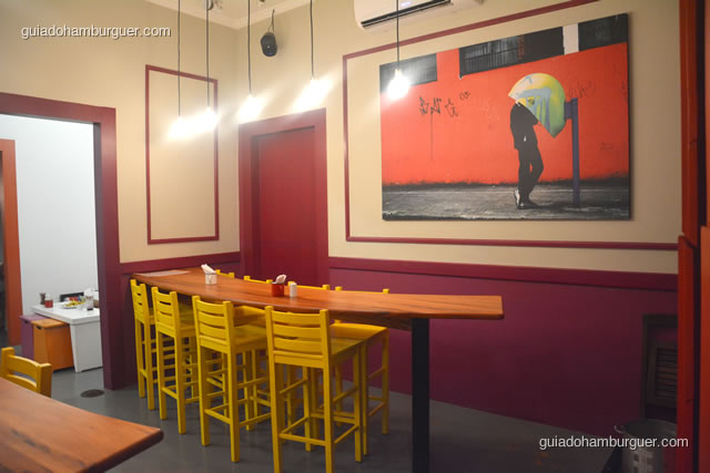 Móveis modernos e coloridos, criam um ambiente descolado - Dona Maricota