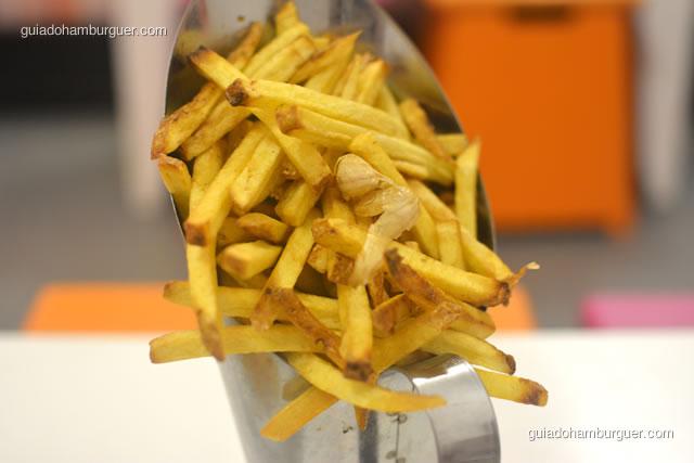 Batatas fritas rústicas com alho e alecrim - Dona Maricota