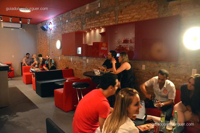 Lounge é ideal para tomar um drinque e bater um papo - Mistura Mattarazzo