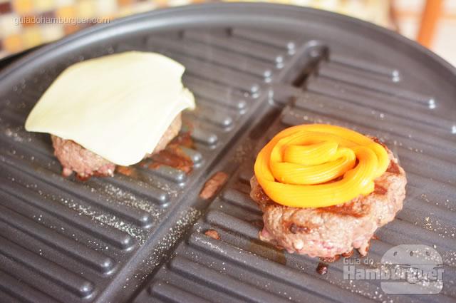 Colocado o queijo, é hora de tampar - George Foreman Grill
