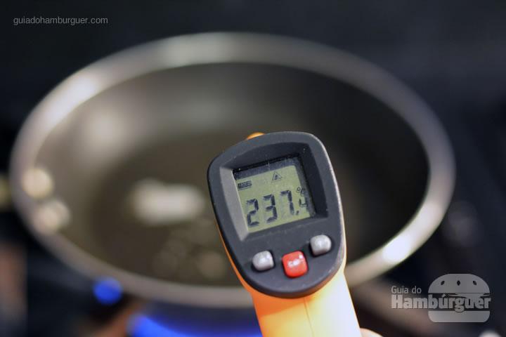 Pré aqueça a panela - Receita hamburguer perfeito caseiro e profissional