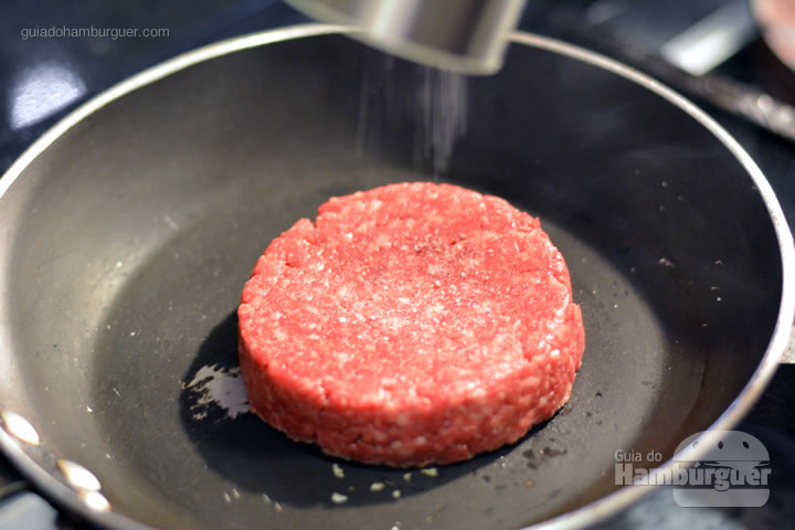Coloque o sal por cima -  - Receita hamburguer perfeito caseiro e profissional
