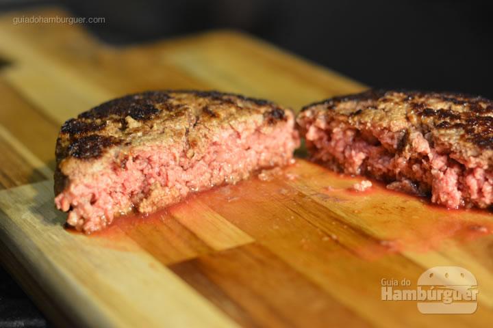 Hambúrguer ao ponto - Receita hamburguer perfeito caseiro e profissional