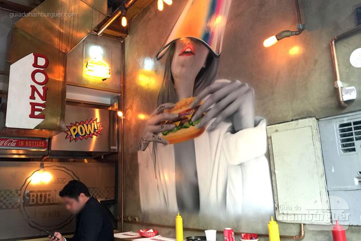Graffiti na decoração - Classic Burger Haus