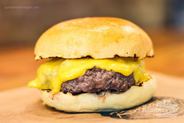 Cheeseburger - Roncador Hamburgueria Artesanal