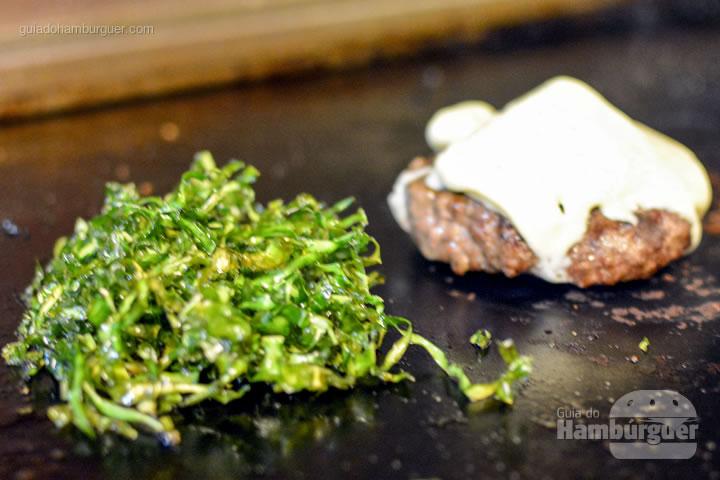 Preparando o Pibus Trembão BH - Pibus Hamburger