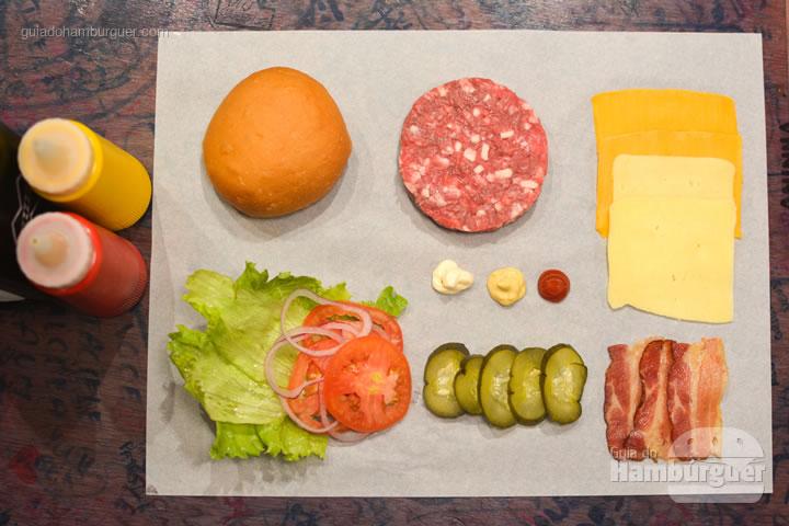 Ingredientes - Por trás das cortinas vermelhas do Burger Joint