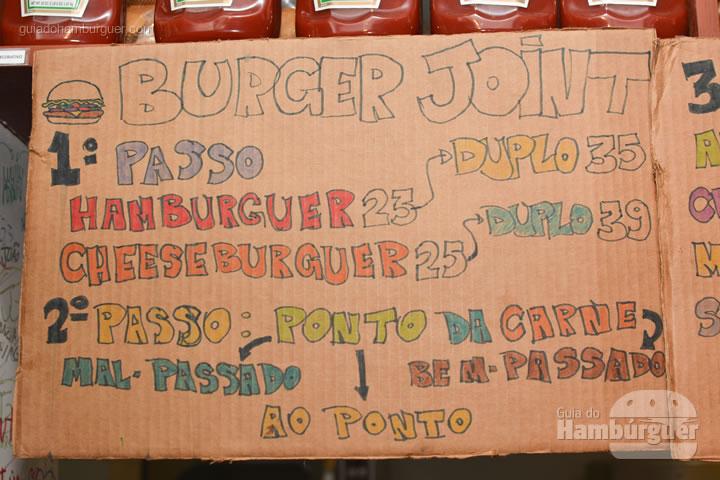 Cardápio - Por trás das cortinas vermelhas do Burger Joint