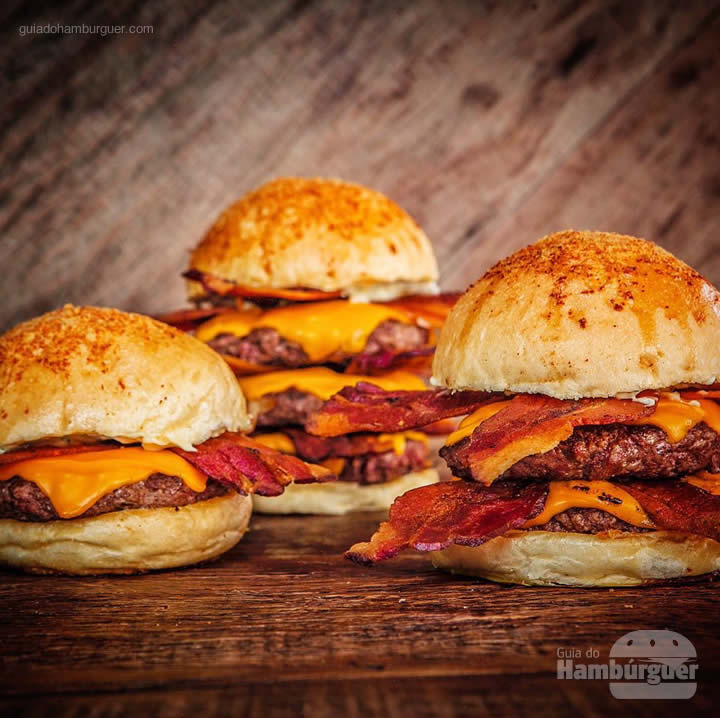 Familia Royale - 4º International Bacon Day no Big Kahuna Burger