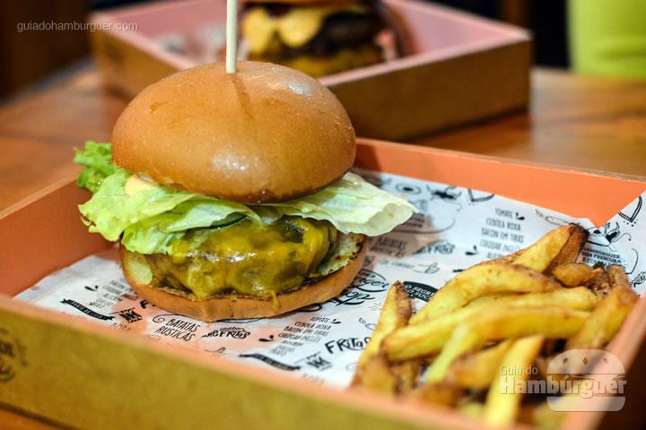 Cheese salada acompanhado de porção individual de fritas - Burger Shop 1269
