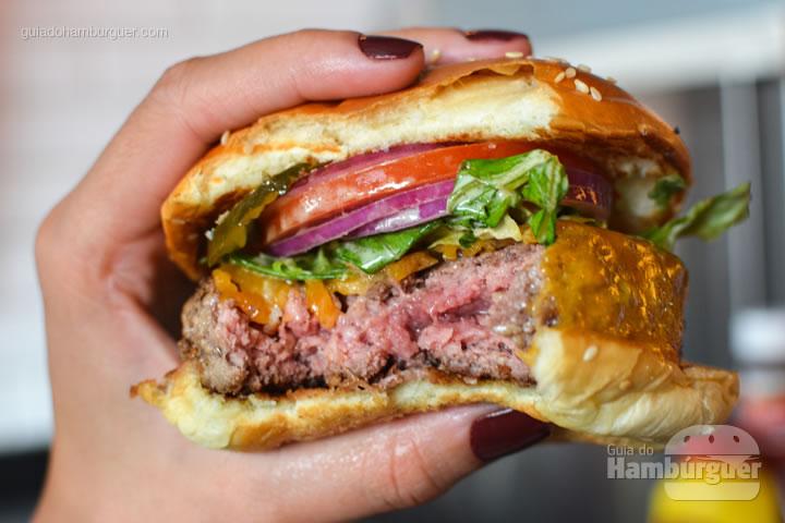 Ponto da carne do Deluxe - Z Deli Sandwich Shop