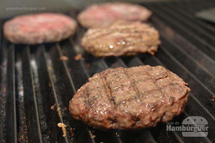 Hambúrgueres na grelha - G Burger
