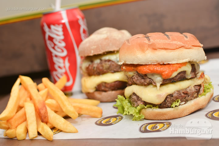 Combo duplo sai por R$ 35,00 - All Bros Burger