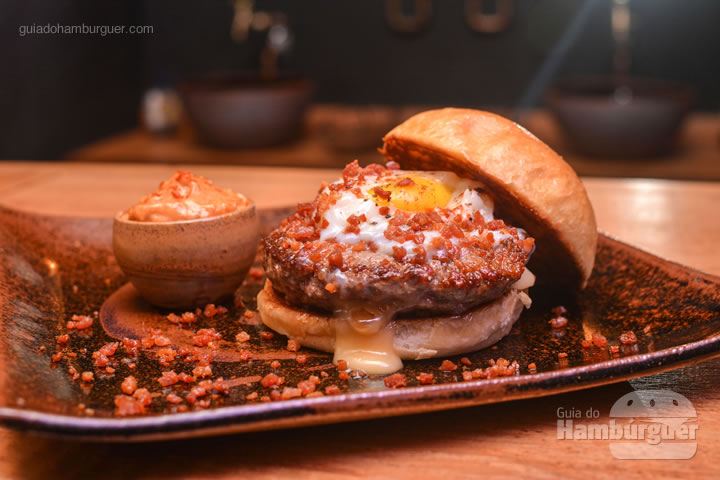 Hambúrguer criado epecialmente para o evento - Menu degustação com 2 entradas + 2 burgers no Ícone GastroRock