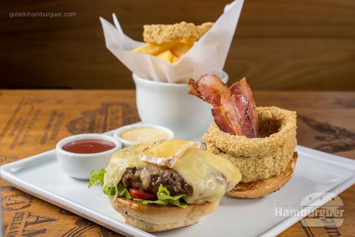 Blend de fraldininha com calabresa</strong>, Pão de hambúrguer, fraldinha, calabresa e molho do chef. R$ 48,00 &#8211; Emporio Pax&#8221; class=&#8221;aligncenter size-medium&#8221; /></a><strong>Blend de fraldininha com calabresa</strong>, Pão de hambúrguer, fraldinha, calabresa e molho do chef. R$ 48,00</p> </p>                                                          <hr/> <h3 class=