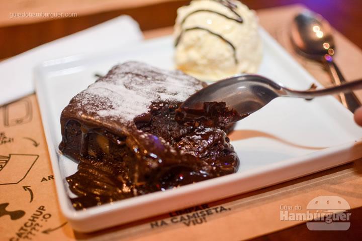 Brownie de chocolate super cremoso - BFactory Hamburgueria em Santo André