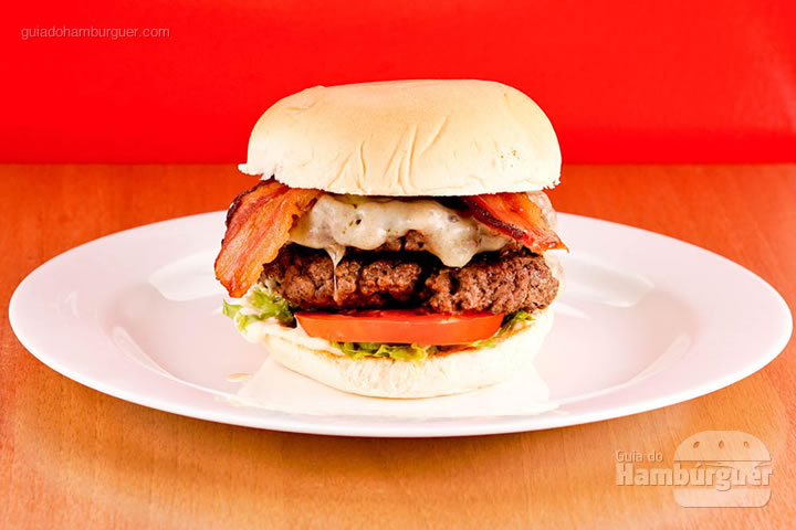 Burger double 360g de carne bovina por R$ 33,00 - Houston