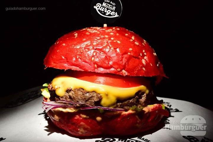 Gordini hambúrguer de costela , queijo prato, maionese de páprica , alface , tomate e cebola roxa no pão brioche por R$ 39,90 - Moto Burguer