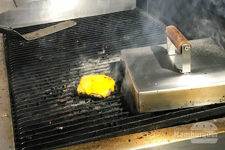 Hambúrguer pronto - Stunt Burger