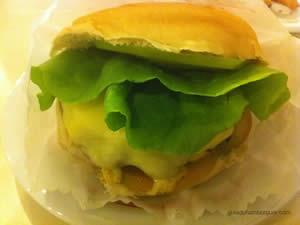 Cheese salada (x-salada) com maionese a parte - New`s Lanchonete