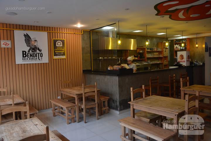 Ambiente - Bendito Rock Burger, hamburgueria e cervejaria artesanal