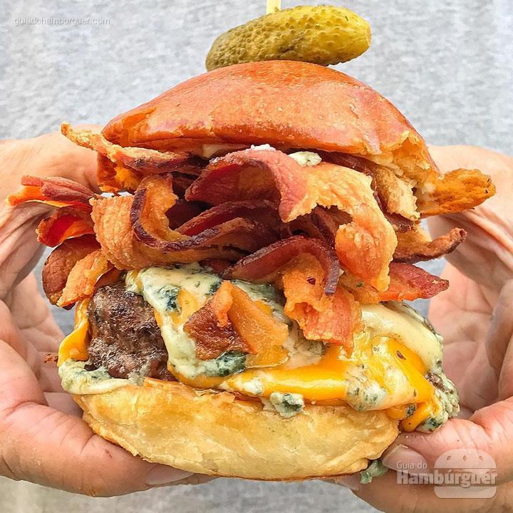 Big Kahuna Burger - selecionamos 5 hamburguerias que preparam seus burgers no carvão