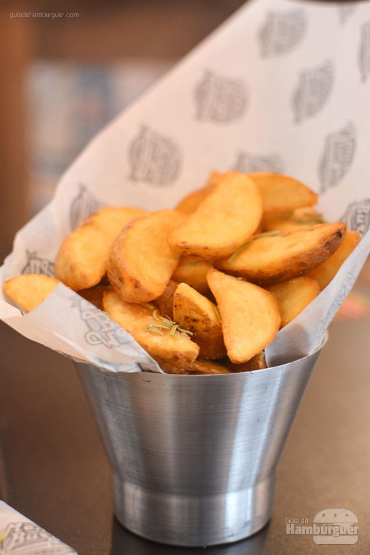 Porção de batatas rústicas - Menca Burger