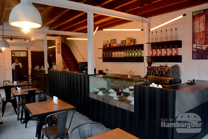Ambiente - Frank & Charles Sandwich Bar