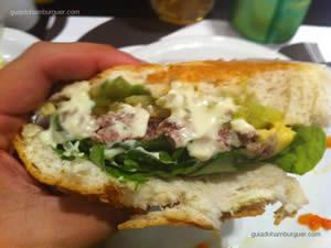 Cheese salada (x-salada) com maionese à parte - Milk & Mellow