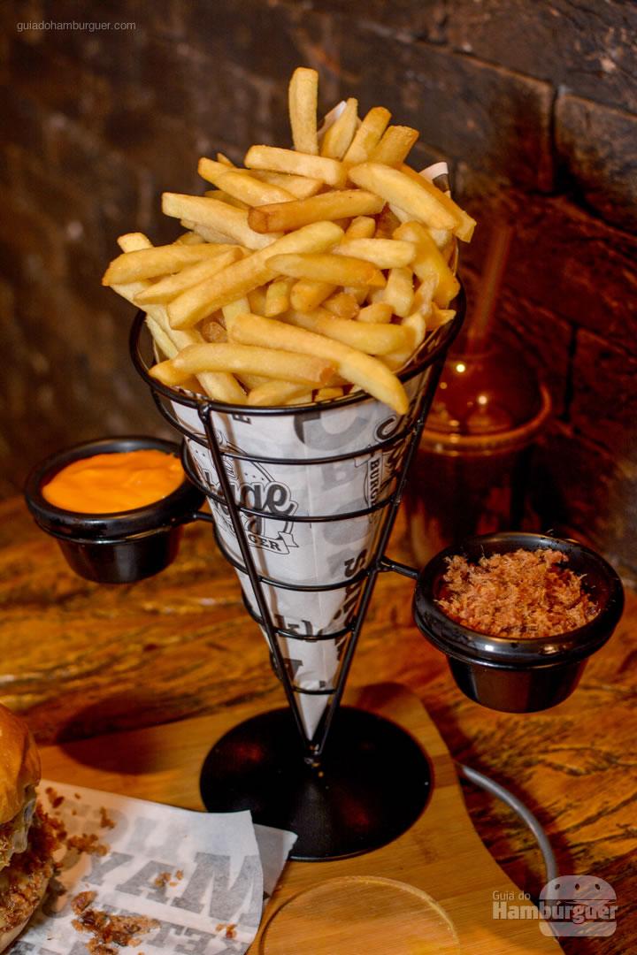 PorçÃo de fritas com cheddar e bacon - Stage Burger