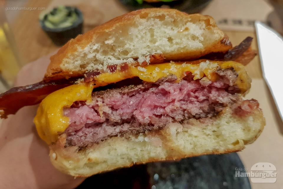 Ponto do cheese bacon - Beef Burger & Beer