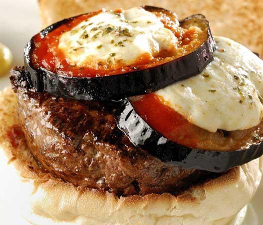 Manhattan: PJ`s Special Burger, mussarela de búfala e berinjela alla Siciliana