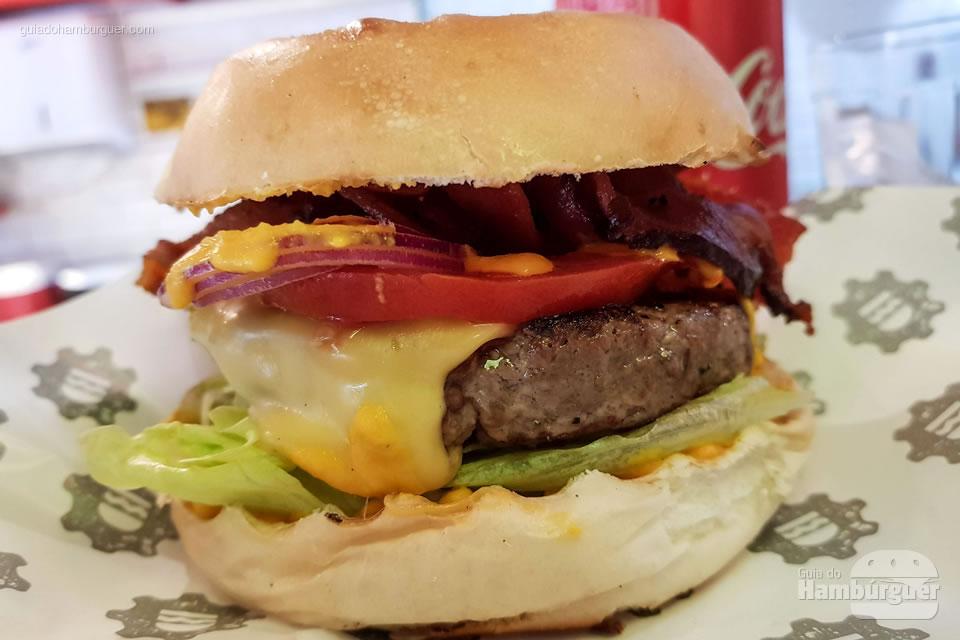 Cheese Salada Bacon - Na Garagem Hamburgueria - São Paulo - SP