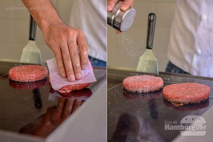 Colocando os burgers na PLana, após 3 minutos de aquecimento  - Chapa para hambúrguer vitrocerâmica Plana da Evo Pro