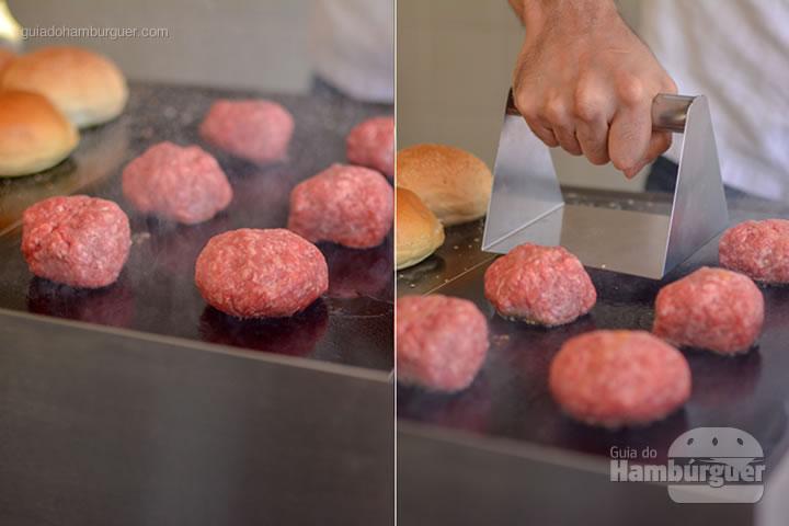 Esmagando os burgers com nossa premnsa para smash burger - Chapa para hambúrguer vitrocerâmica Plana da Evo Pro