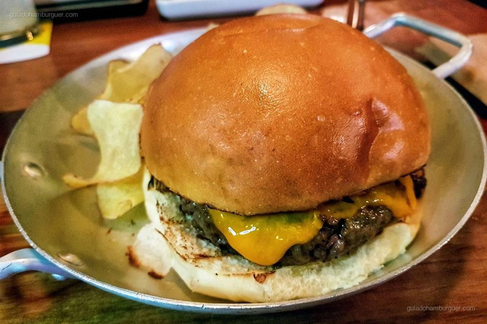 02º Pub Escondido, CA - As melhores hamburguerias do Rio de Janeiro