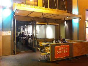 Fachada - Super Duper